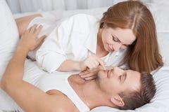 łóżkowej pary łgarscy potomstwa Obraz Royalty Free