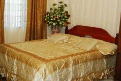 łóżkowy ślub Zdjęcie Royalty Free