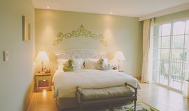 łóżkowy lampowy jeden sypialni noc pojedynczy rocznik Zdjęcia Royalty Free