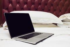 łóżkowy laptop Obraz Stock