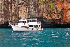 Łódź blisko wysp w Andaman morzu Zdjęcia Stock