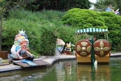 Łódź, gauls i lale od Epidemais Croisiere przyciągania przy Parkowym Asterix Asterix i Obelix, ile de france, Francja Fotografia Stock