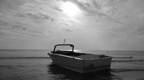 Łódź i morze Zdjęcie Royalty Free