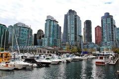 Łódź, jacht w Węglowym schronieniu, W centrum Vancouver, kolumbiowie brytyjska, Kanada Zdjęcia Royalty Free