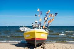 Łódź lub statek przy moorage Fotografia Stock