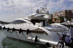 łódź motorowa zdjęcia stock