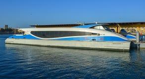 Łódź motorowa bieg na Dubaj zatoczce obraz royalty free