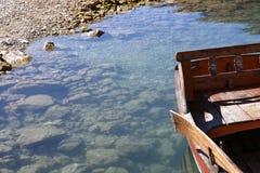 Łódź na jeziorze Fotografia Stock
