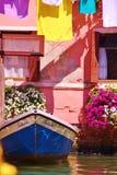 Łódź na kanału ogródzie Zdjęcie Royalty Free