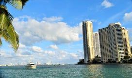 Łódź na Miami rzece obraz stock