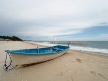 Łódź na plaży Obrazy Royalty Free