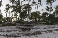 Łódź na plaży w Zanzibar Zdjęcie Stock