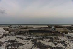 Łódź na plaży w Zanzibar Obrazy Stock