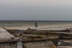 Łódź na plaży w Zanzibar Zdjęcia Stock
