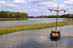 Łódź na rzece Zdjęcia Royalty Free