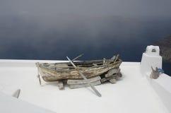 Łódź nigdzie w Santorini Obrazy Royalty Free