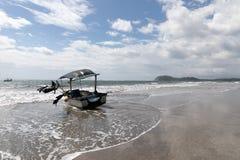 łódź Playa Samara plaża Cota Rica obraz stock