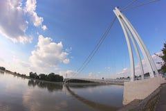 łódź pod most dni zawieszenia Września ładną wodą Fotografia Royalty Free