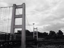 łódź pod most dni zawieszenia Września ładną wodą Obraz Stock