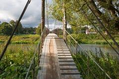 łódź pod most dni zawieszenia Września ładną wodą zdjęcie royalty free