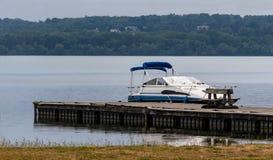 Łódź przy dokiem Zdjęcie Royalty Free