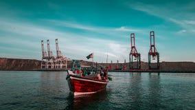 Łódź przy pięknym gawadar portowym schronieniem Balochistan fotografia royalty free
