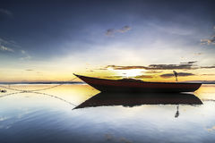 Łódź przy Tanjung aru plażą, Labuan Malezja 08 Fotografia Royalty Free