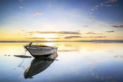 Łódź przy Tanjung aru plażą, Labuan Malezja 02 Obraz Royalty Free