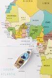 Łódź rybacka na mapie Obrazy Stock