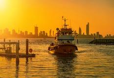 Łódź rybacka podczas zmierzchu w Kuwait Fotografia Royalty Free