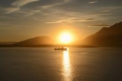 Łódź rybacka przy zmierzchem w Ushuaia Fotografia Royalty Free