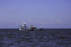 Łódź rybacka w morzu, Tajlandia Zdjęcie Royalty Free