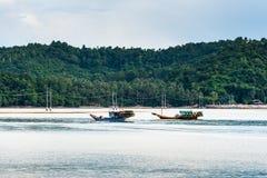 Łódź rybacka w ranku morzu Zdjęcie Stock