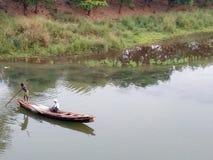 Łódź rybacka W rzece Zdjęcie Royalty Free