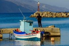 Łódź rybacka w schronieniu Fotografia Stock