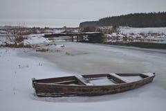 Łódź w śniegu Zdjęcia Royalty Free