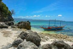 Łódź w Błękitnej lagunie, Boracay wyspa, Filipiny Obrazy Royalty Free