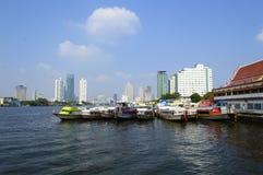 Łódź w Bangkok mieście Fotografia Royalty Free