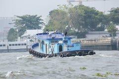 Łódź w Chao Phraya rzece obraz royalty free