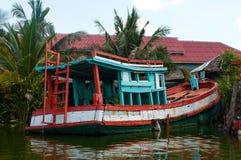 Łódź w Hua Hin Spławowym rynku w Hua Hin Tajlandia zdjęcie stock