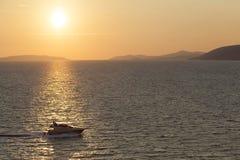 Łódź w morzu śródziemnomorskim, Greckie Ionian wyspy Zdjęcie Royalty Free