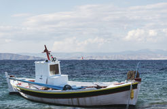Łódź w morzu Obrazy Royalty Free