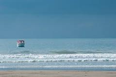 Łódź w oceanie zdjęcia stock