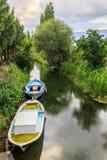 Łódź w rzece w Akcapinar Obrazy Royalty Free
