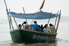 Łódź w Rzecznym Ganga Zdjęcie Royalty Free