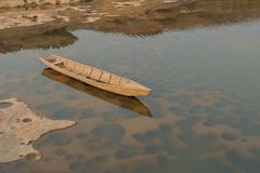 Łódź w Sam Phan Bok Mekong rzeka zdjęcia royalty free