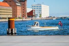 Łódź w schronieniu w Kopenhaga Obraz Stock