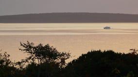 Łódź W wschodzie słońca Zdjęcia Stock
