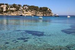 Łódź w zatoce na Mallorca fotografia stock