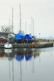 Łódź, zima, dok, magazyn, łódź, kotwica, stojak Zdjęcia Royalty Free